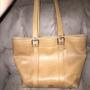 EUC VINTAGE COACH LEATHER ZIPPER TOTE 16x12